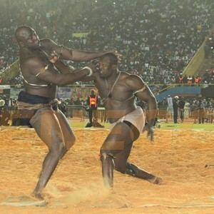 Modou Lo punches Lac 2